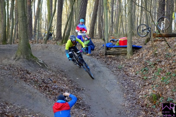_DSC7973-pumptrack-zabotrails-nuernberg-wride-it-bike-blog